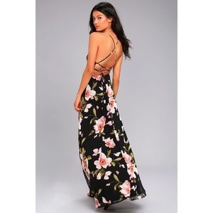 LULU'S Floral Lace-Back Maxi